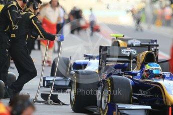 World © Octane Photographic Ltd. FIA Formula 2 (F2) - Practice. Oliver Rowland and Nicolas Latifi – DAMS. Abu Dhabi Grand Prix, Yas Marina Circuit. 24th November 2017. Digital Ref:2000CB1L5697