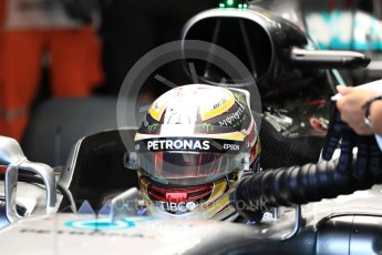 World © Octane Photographic Ltd. Formula 1 - Singapore Grand Prix - Practice 3. Lewis Hamilton - Mercedes AMG Petronas F1 W08 EQ Energy+. Marina Bay Street Circuit, Singapore. Saturday 16th September 2017. Digital Ref:1962LB1D1446