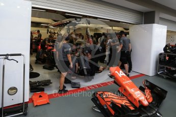 World © Octane Photographic Ltd. Formula 1 - Singapore Grand Prix - Practice 3. Fernando Alonso - McLaren Honda MCL32. Marina Bay Street Circuit, Singapore. Saturday 16th September 2017. Digital Ref:1962LB2D1606