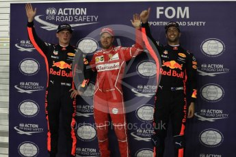 World © Octane Photographic Ltd. Formula 1 - Singapore Grand Prix - Qualifying. Sebastian Vettel - Scuderia Ferrari SF70H, Daniel Ricciardo and Max Verstappen - Red Bull Racing RB13. Marina Bay Street Circuit, Singapore. Saturday 16th September 2017. Digital Ref:1963LB1D2727