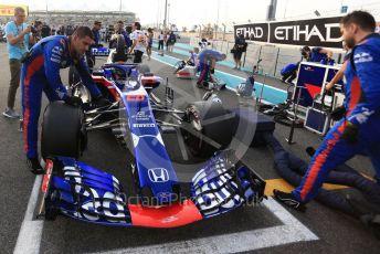 World © Octane Photographic Ltd. Formula 1 – Abu Dhabi GP - Grid. Scuderia Toro Rosso STR13 – Brendon Hartley. Yas Marina Circuit, Abu Dhabi. Sunday 25th November 2018.
