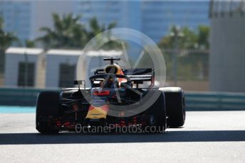 World © Octane Photographic Ltd. Formula 1 –  Abu Dhabi GP - Practice 1. Aston Martin Red Bull Racing TAG Heuer RB14 – Daniel Ricciardo. Yas Marina Circuit, Abu Dhabi. Friday 23rd November 2018.