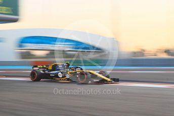 World © Octane Photographic Ltd. Formula 1 –  Abu Dhabi GP - Practice 2. Renault Sport F1 Team RS18 – Carlos Sainz. Yas Marina Circuit, Abu Dhabi. Friday 23rd November 2018.