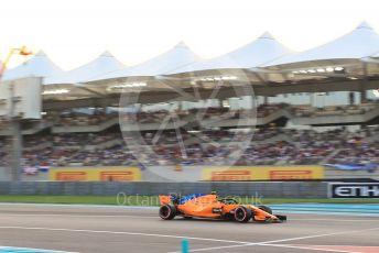 World © Octane Photographic Ltd. Formula 1 –  Abu Dhabi GP - Qualifying. McLaren MCL33 – Stoffel Vandoorne. Yas Marina Circuit, Abu Dhabi. Saturday 24th November 2018.