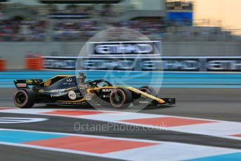 World © Octane Photographic Ltd. Formula 1 –  Abu Dhabi GP - Qualifying. Renault Sport F1 Team RS18 – Nico Hulkenberg. Yas Marina Circuit, Abu Dhabi. Saturday 24th November 2018.