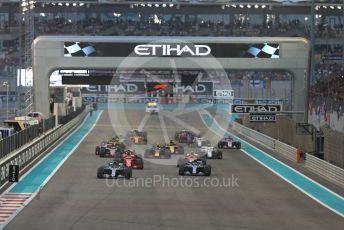 World © Octane Photographic Ltd. Formula 1 –  Abu Dhabi GP - Race. Mercedes AMG Petronas Motorsport AMG F1 W09 EQ Power+ - Lewis Hamilton and Valtteri Bottas lead on the opening lap. Yas Marina Circuit, Abu Dhabi. Sunday 25th November 2018.