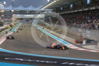 World © Octane Photographic Ltd. Formula 1 –  Abu Dhabi GP - Race. Aston Martin Red Bull Racing TAG Heuer RB14 – Daniel Ricciardo. Yas Marina Circuit, Abu Dhabi. Sunday 25th November 2018.