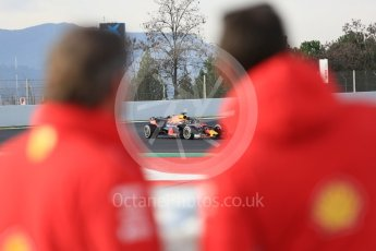World © Octane Photographic Ltd. Formula 1 – Winter Test 2. Aston Martin Red Bull Racing TAG Heuer RB14 – Max Verstappen being watched by Ferarri. Circuit de Barcelona-Catalunya, Spain. Thursday 8th March 2018.