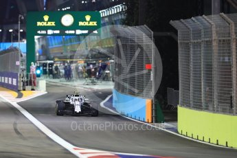 World © Octane Photographic Ltd. Formula 1 – Singapore GP - Race. Williams Martini Racing FW41 – Sergey Sirotkin. Marina Bay Street Circuit, Singapore. Sunday 16th September 2018.