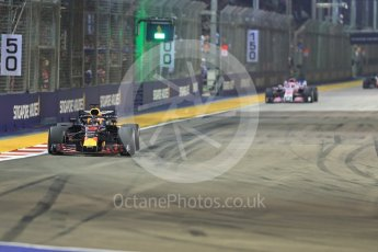 World © Octane Photographic Ltd. Formula 1 – Singapore GP - Race. Aston Martin Red Bull Racing TAG Heuer RB14 – Daniel Ricciardo. Marina Bay Street Circuit, Singapore. Sunday 16th September 2018.