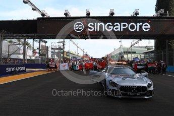World © Octane Photographic Ltd. Formula 1 – Singapore GP - Thursday Pit Lane. Formula 1 in Schools group photo. Marina Bay Street Circuit, Singapore. Thursday 13th September 2018.