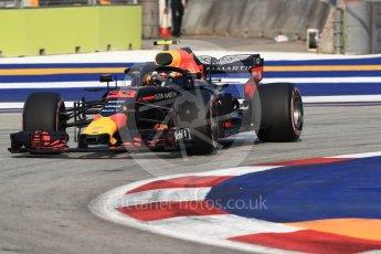 World © Octane Photographic Ltd. Formula 1 – Singapore GP - Practice 1. Aston Martin Red Bull Racing TAG Heuer RB14 – Max Verstappen. Marina Bay Street Circuit, Singapore. Friday 14th September 2018.