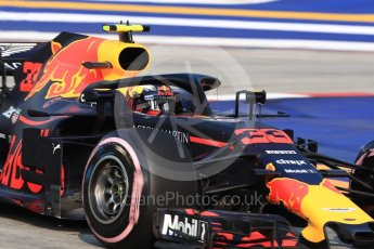 World © Octane Photographic Ltd. Formula 1 – Singapore GP - Practice 1. Aston Martin Red Bull Racing TAG Heuer RB14 – Max Verstappen. Marina Bay Street Circuit, Singapore. Friday 14th September 2018.