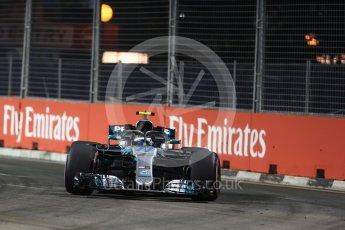 World © Octane Photographic Ltd. Formula 1 – Singapore GP - Practice 2. Mercedes AMG Petronas Motorsport AMG F1 W09 EQ Power+ - Valtteri Bottas. Marina Bay Street Circuit, Singapore. Friday 14th September 2018.