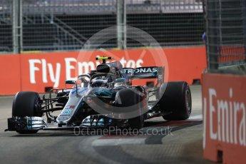 World © Octane Photographic Ltd. Formula 1 – Singapore GP - Qualifying. Mercedes AMG Petronas Motorsport AMG F1 W09 EQ Power+ - Valtteri Bottas. Marina Bay Street Circuit, Singapore. Saturday 15th September 2018.