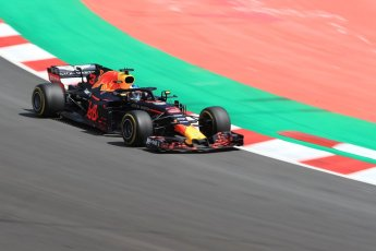 World © Octane Photographic Ltd. Formula 1 – Spanish GP - Race. Aston Martin Red Bull Racing TAG Heuer RB14 – Daniel Ricciardo. Circuit de Barcelona-Catalunya, Spain. Sunday 13th May 2018.