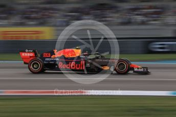 World © Octane Photographic Ltd. Formula 1 – Abu Dhabi GP - Qualifying. Aston Martin Red Bull Racing RB15 – Alexander Albon. Yas Marina Circuit, Abu Dhabi, UAE. Saturday 30th November 2019.
