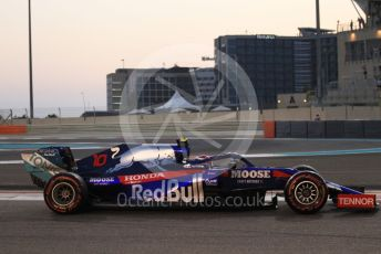 World © Octane Photographic Ltd. Formula 1 – Abu Dhabi GP - Qualifying. Scuderia Toro Rosso STR14 – Pierre Gasly. Yas Marina Circuit, Abu Dhabi, UAE. Saturday 30th November 2019.