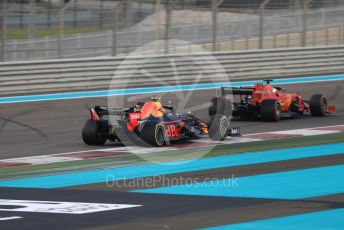 World © Octane Photographic Ltd. Formula 1 – Abu Dhabi GP - Race. Scuderia Ferrari SF90 – Sebastian Vettel and Aston Martin Red Bull Racing RB15 – Alexander Albon. Yas Marina Circuit, Abu Dhabi, UAE. Sunday 1st December 2019.