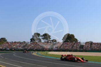 World © Octane Photographic Ltd. Formula 1 – Australian GP Race. Scuderia Ferrari SF90 – Sebastian Vettel and Aston Martin Red Bull Racing RB15 – Max Verstappen. Melbourne, Australia. Sunday 17th March 2019.