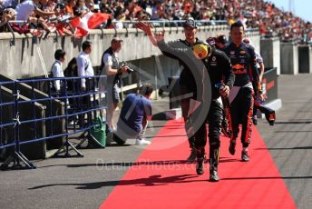 World © Octane Photographic Ltd. Formula 1 – Japanese GP - Drivers' Parade. Renault Sport F1 Team RS19 – Daniel Ricciardo with ROKiT Williams Racing FW 42 – George Russell and Aston Martin Red Bull Racing RB15 – Alexander Albon. Suzuka Circuit, Suzuka, Japan. Sunday 13th October 2019.