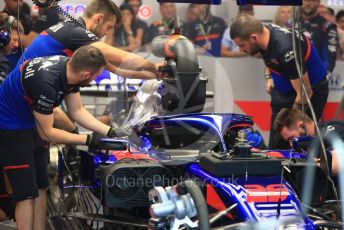 World © Octane Photographic Ltd. Formula 1 – Singapore GP - Practice 3. Scuderia Toro Rosso STR14 – Daniil Kvyat oil leak. Marina Bay Street Circuit, Singapore. Saturday 21st September 2019.