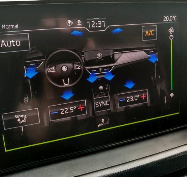 Škoda Scala test recenze palubní navigace