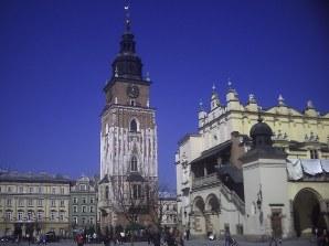 Wieża krakowskiego ratusza i fragment Sukiennic