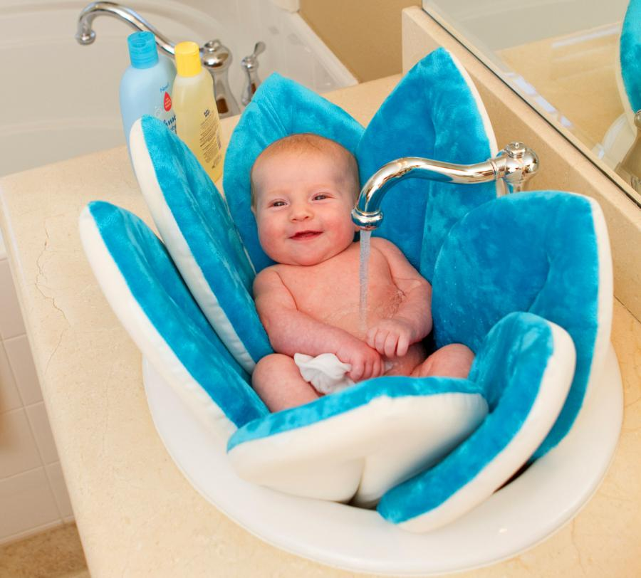 Blooming Bath A Flower Shaped Baby Support For Sink Baths