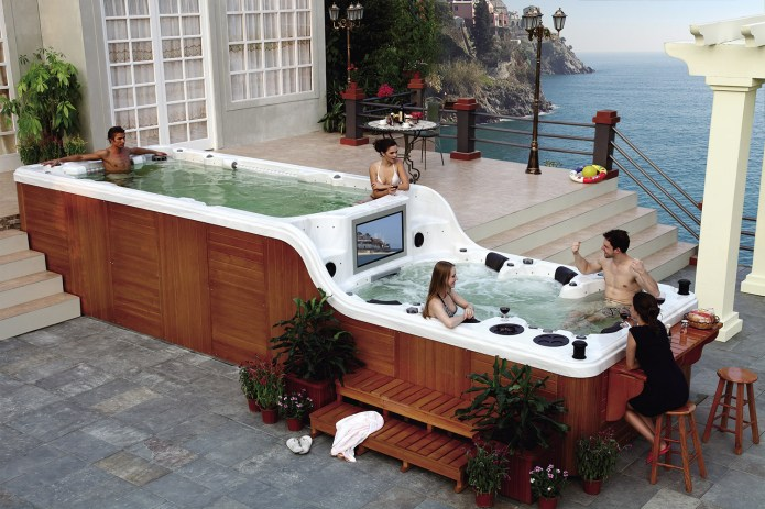 The Ultimate Hot Tub - Two level hot tub with built-in tv - Two tier spa part hot tub