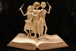 harry_potter_book_sculpture_by_wetcanvas-d5nkhmp