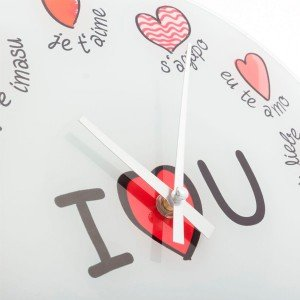 I-Love-You-Monikielinen-Seinäkello-1