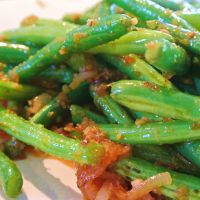 Green Beans in Spicy Shrimp & Garlic Sauce