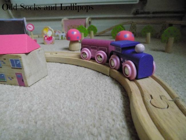 The BigJigs Fairy Town Train Set Review - 2