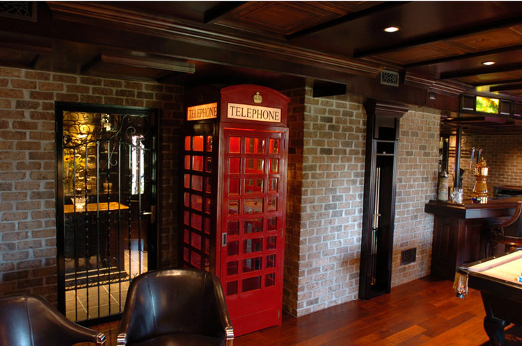 10 Wonderful Phone Booth Designs For Your Home