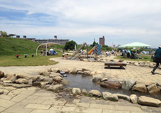 無料で水遊びができる!豊平川ウォーターガーデン / 北海道札幌市の子連れスポット