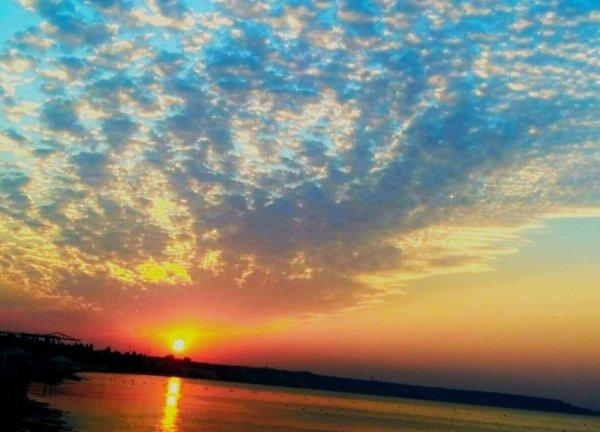 Потрясающий рассвет и золотое море в Одессе (ФОТО ...