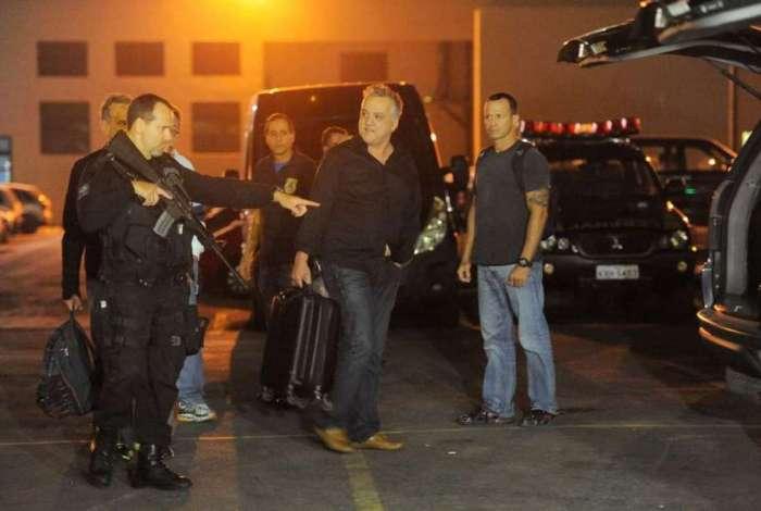 Carlinhos Cachoeira (centro) foi preso na Operação Saqueador, em 2016