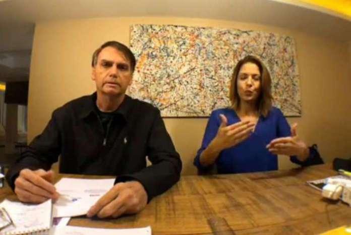 Bolsonaro fez as críticas durante uma transmissão ao vivo na rede social