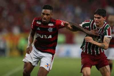 Veja As Mulheres Mais Gatas Dos Jogadores Do Brasileirão ... Fotos ... a6e4f1dd78a51