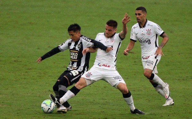 Botafogo X Corinthians pelo Campeonato Brasileiro, rodada 27. - Daniel Castelo Branco