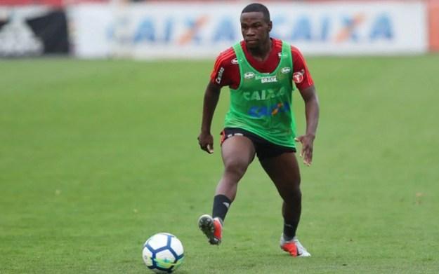 Klebinho, lateral do Flamengo