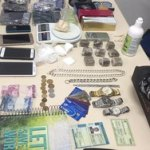 Casal suspeito de tráfico é preso com drogas em residência