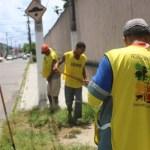 Conveniados limpam Estádio Rei Pelé em preparação para os jogos