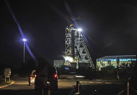 Acidente em mina na África do Sul deixa 1.800 trabalhadores presos. Foto: Gianluigi Guercia/AFP