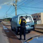 Fiscalização remove veículos irregulares em Maceió