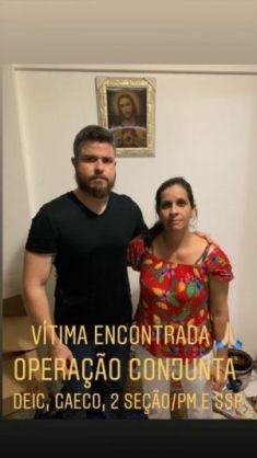 Delegado Thiago Prado com a vítima do sequestro. Créditos: Divulgação.