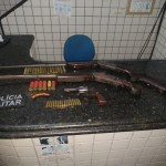 Trio suspeito de estuprar crianças é detido com armas de fogo em Boca da Mata