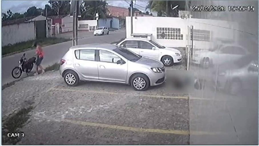 Imagem de câmera de videomonitoramento flagra o momento em que jovem mata Joyce Narelle, em Maceió - Foto: Reprodução