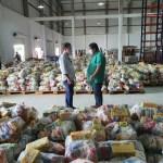 Governo distribui cestas básicas para motoristas e cobradores complementares